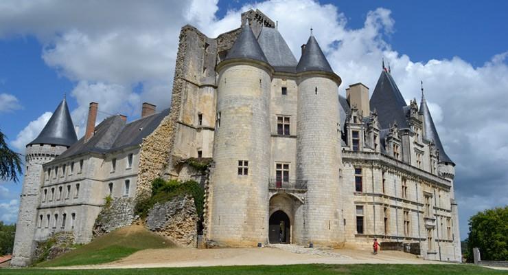 Chateau-la-roche foucauld is nearby to visit