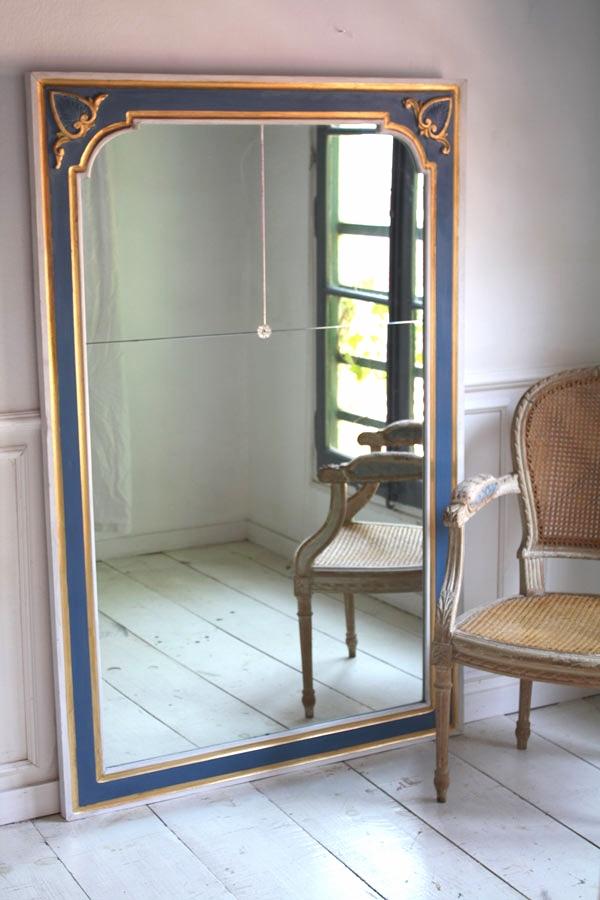 """Miroir """"BLEU DE FRANCE""""    bois peint, patiné, doré à la feuille //miroirs biseautés, rosette de fixation verre    SOLD"""