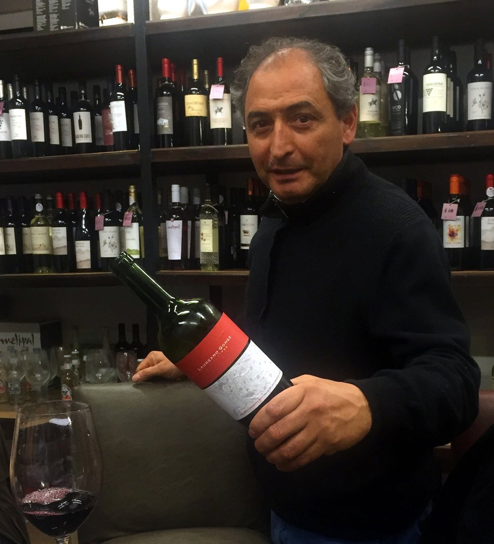 Laureano at tasting.JPG