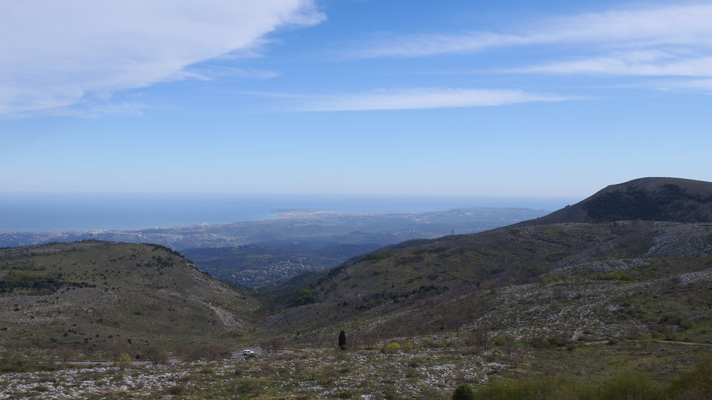 7) COL DE VENCE, suivre COURSEGOULES sur 7 km - You will drive up to the