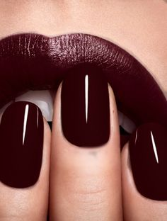 And don't forget the little details... this deep red trend works perfectly into our nails and lip colors! Just gorgeous and so easy to do.
