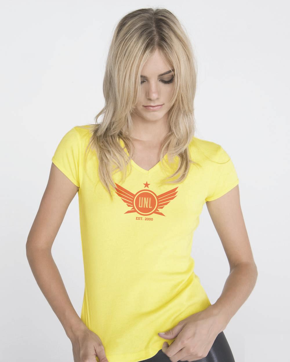 girl-front-white_shirt_cvela_web.jpg