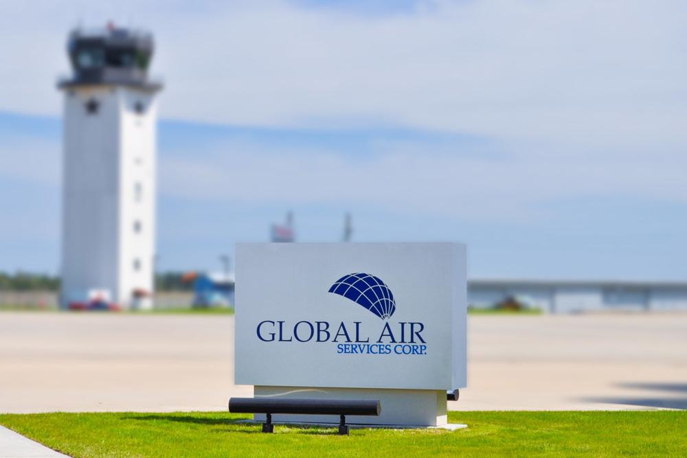 Header_Monument_GlobalAir_blur.jpg
