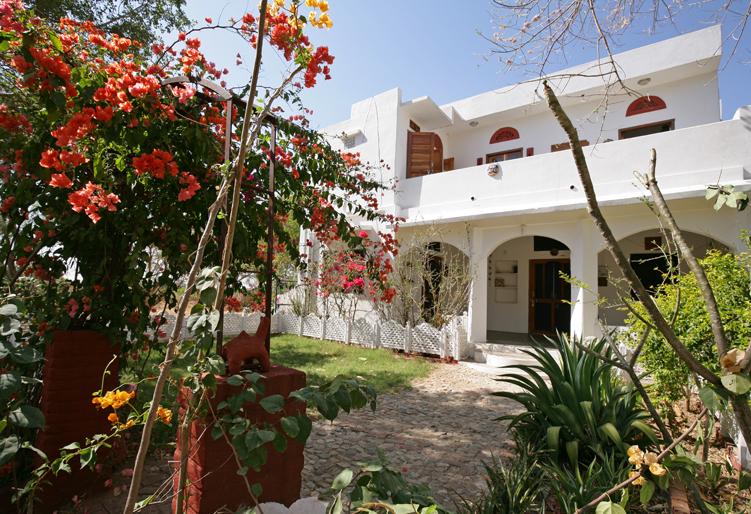 Ranakpur-Camel-Lodge-homestay.jpg