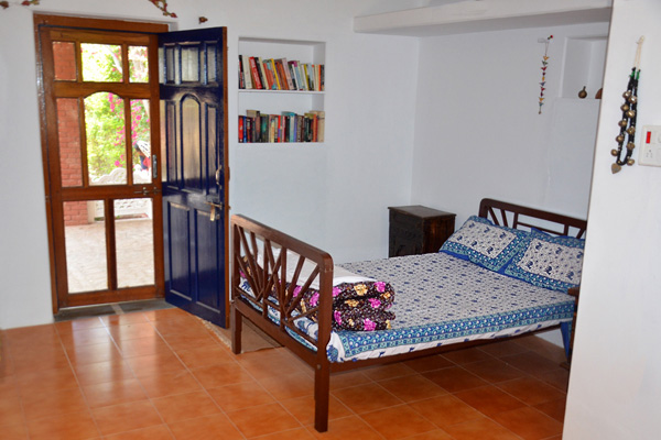 Double room with fan and facilities
