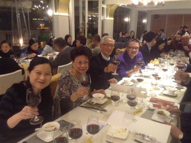 wineclub1s.JPG