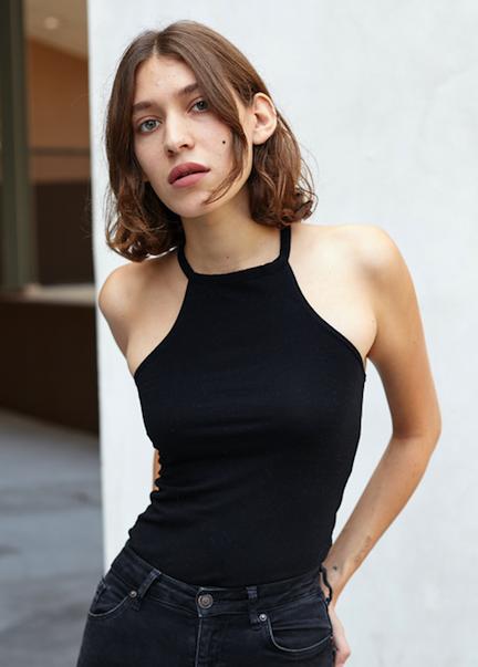 Zarina Nares Models.com