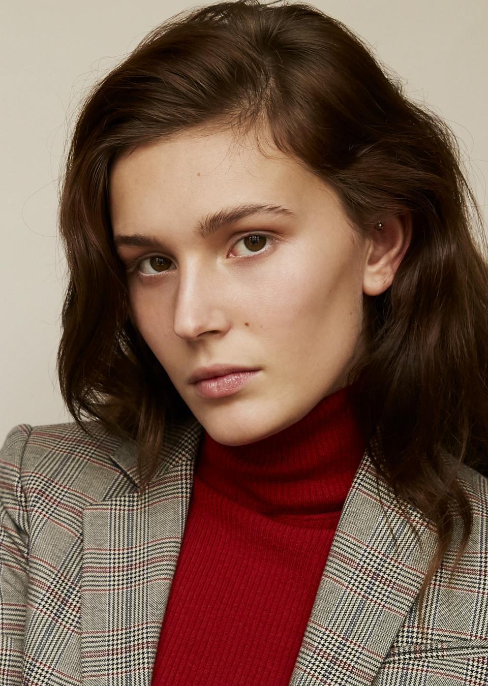 Anna Lea Models.com