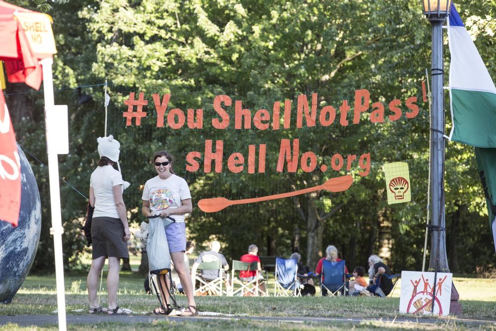 0804-PTNE-Shell Protest14_JH.jpg