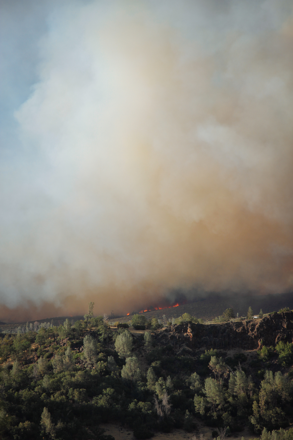 Jerusalem Fire approaching a home