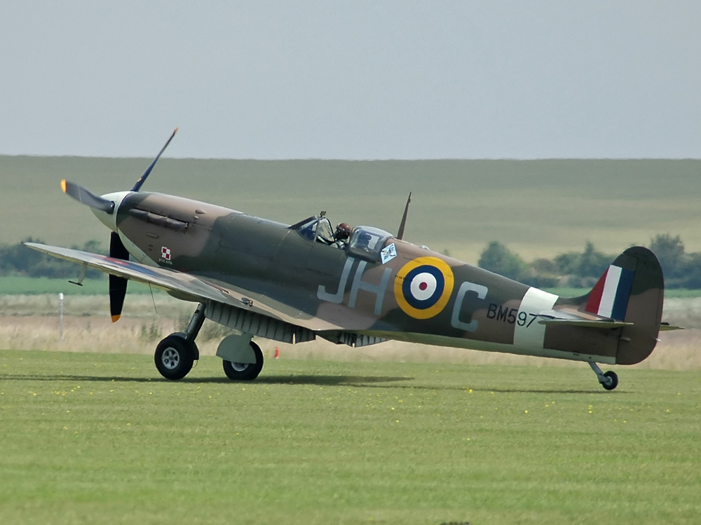 Spitfire_F_VB_BM597.jpg