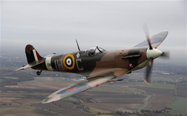 Spitfire_RAF_Manst_2177424b.jpg
