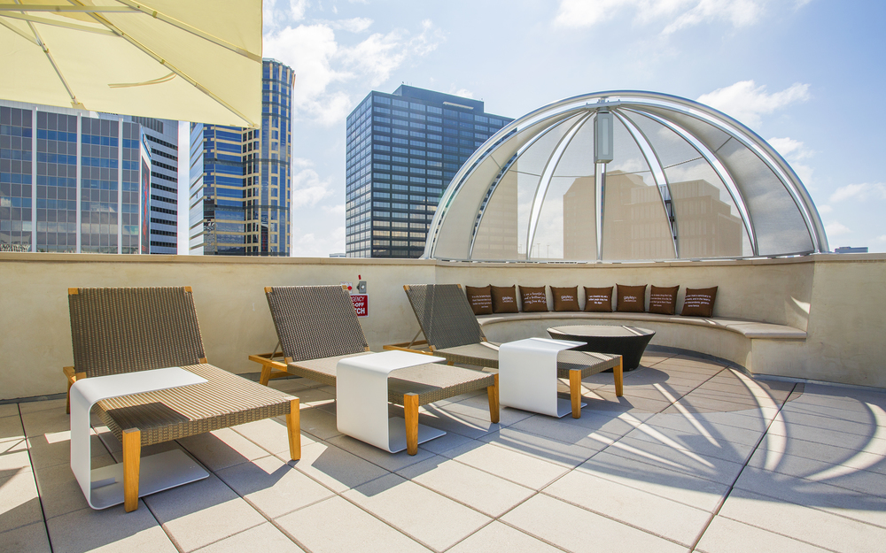 Gayley-Lindbrook-Apartments-Westwood-CA-Rooftop-Lounge-07.jpg