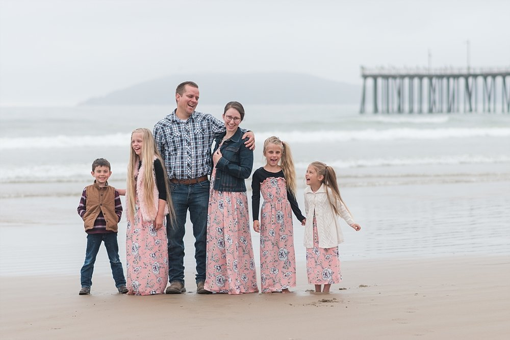 Fun Family Photos at Pismo Beach California_0004.jpg