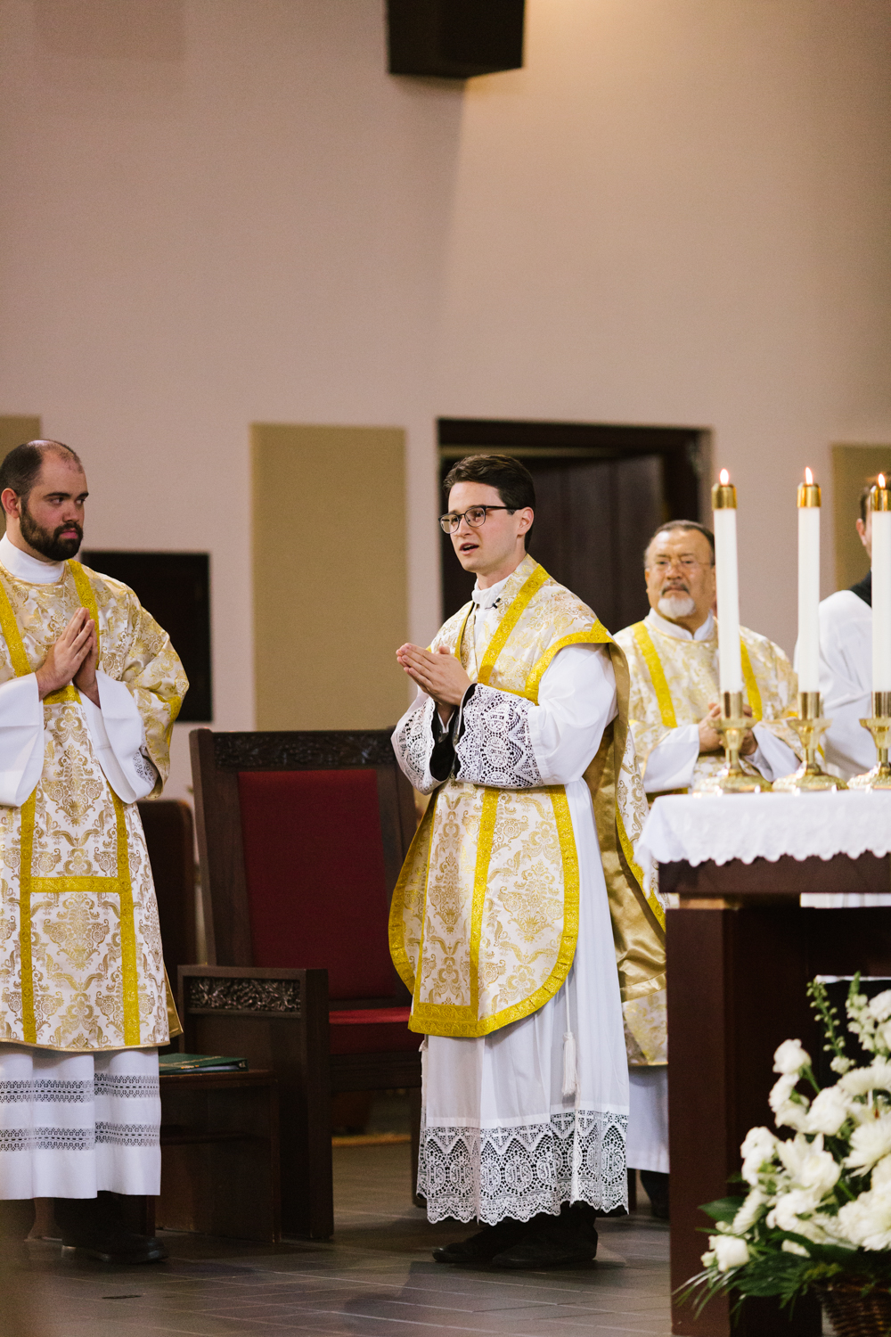 father_lou_first_mass_saint_anthony_renton-24.jpg