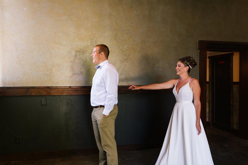 seattle_wedding_photographer_roslyn_outdoor_wedding-0286.jpg