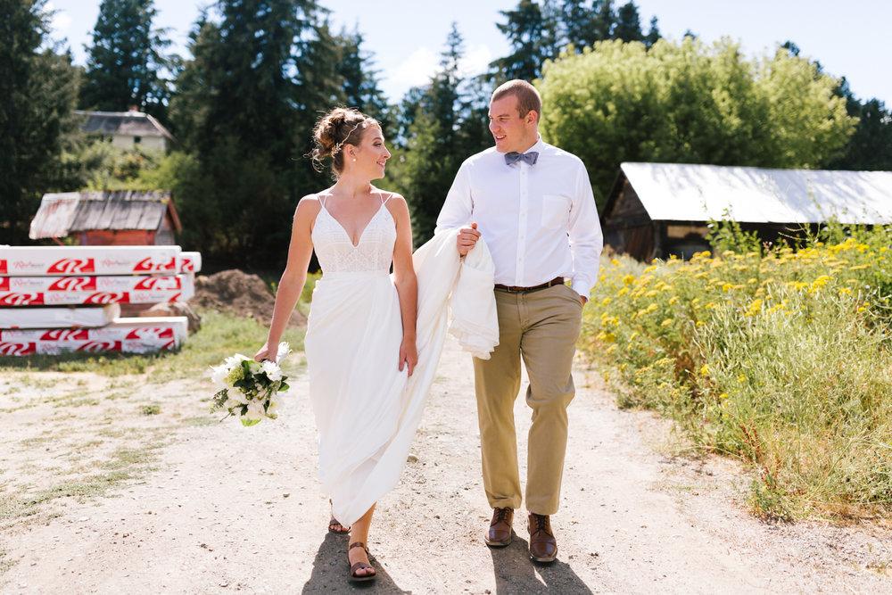 seattle_wedding_photographer_roslyn_outdoor_wedding-0429.jpg