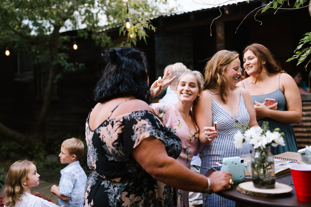 seattle_wedding_photographer_roslyn_outdoor_wedding-0692.jpg