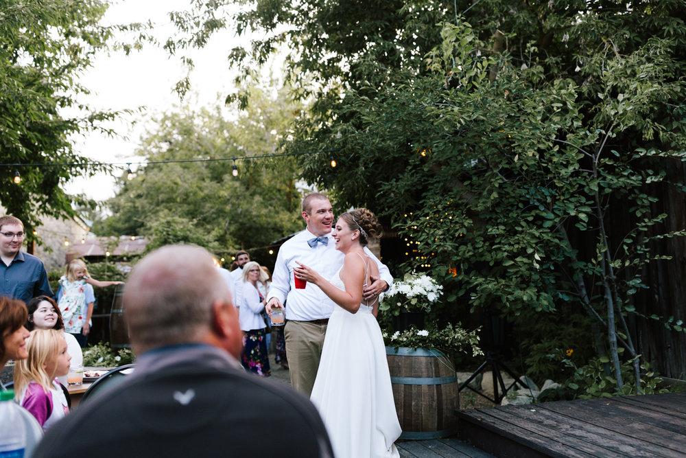 seattle_wedding_photographer_roslyn_outdoor_wedding-1006.jpg