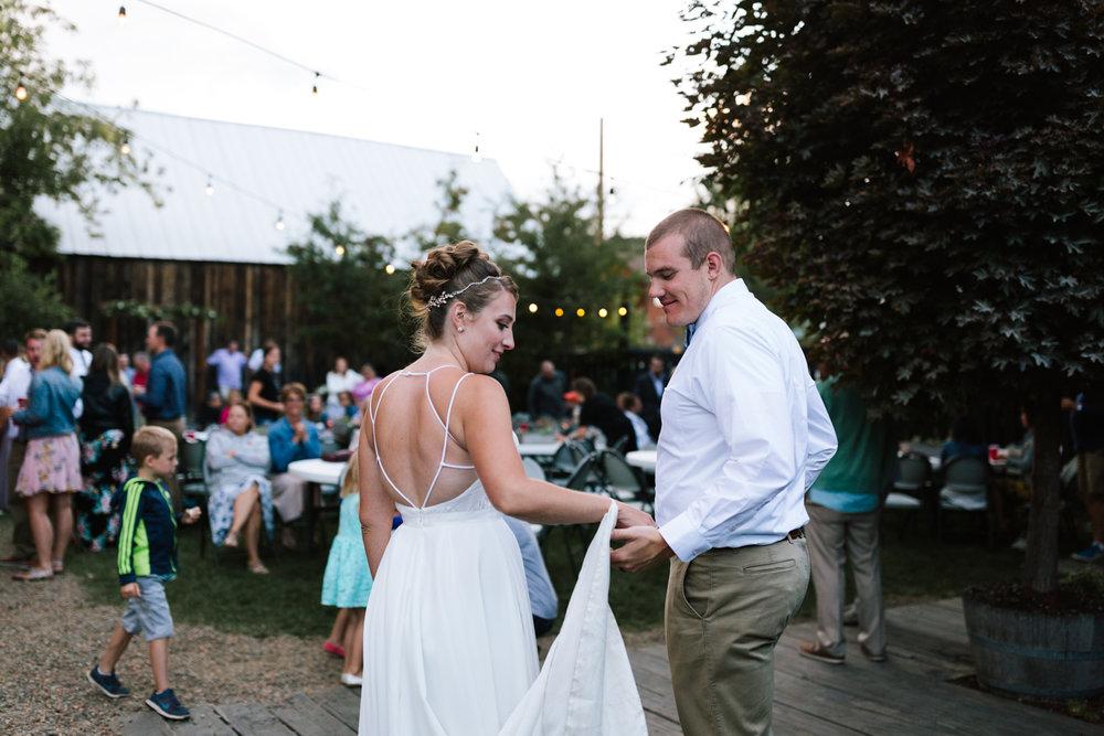 seattle_wedding_photographer_roslyn_outdoor_wedding-1084.jpg