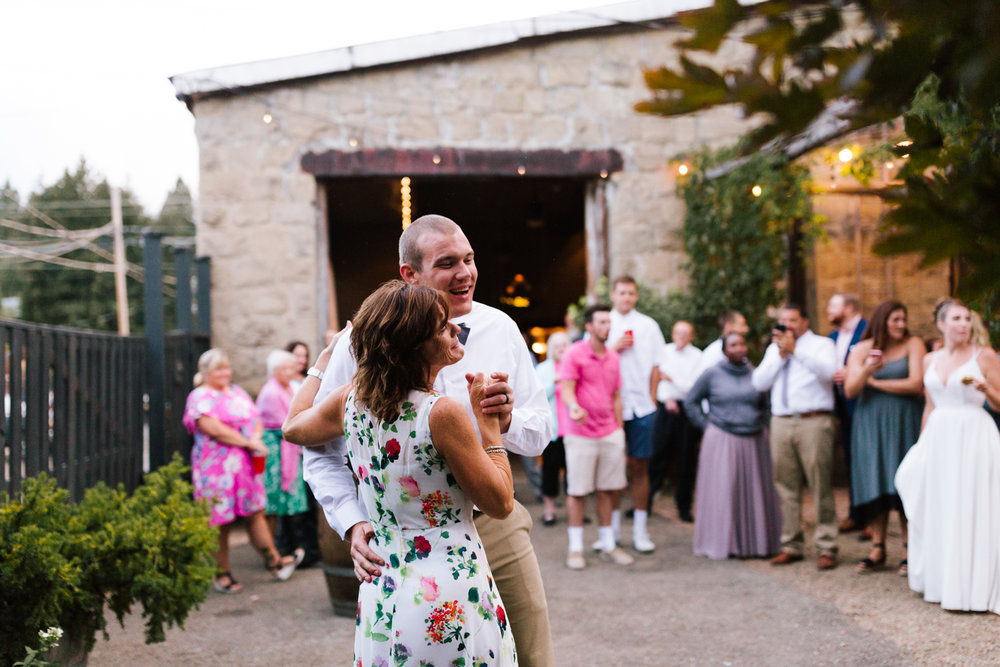 seattle_wedding_photographer_roslyn_outdoor_wedding-1215.jpg