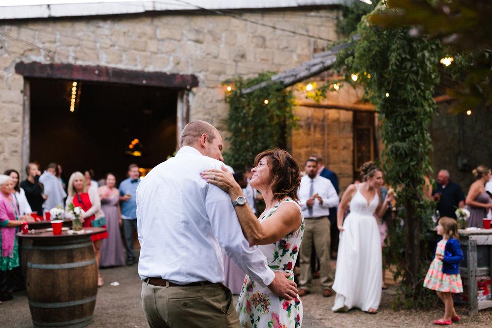 seattle_wedding_photographer_roslyn_outdoor_wedding-1207.jpg