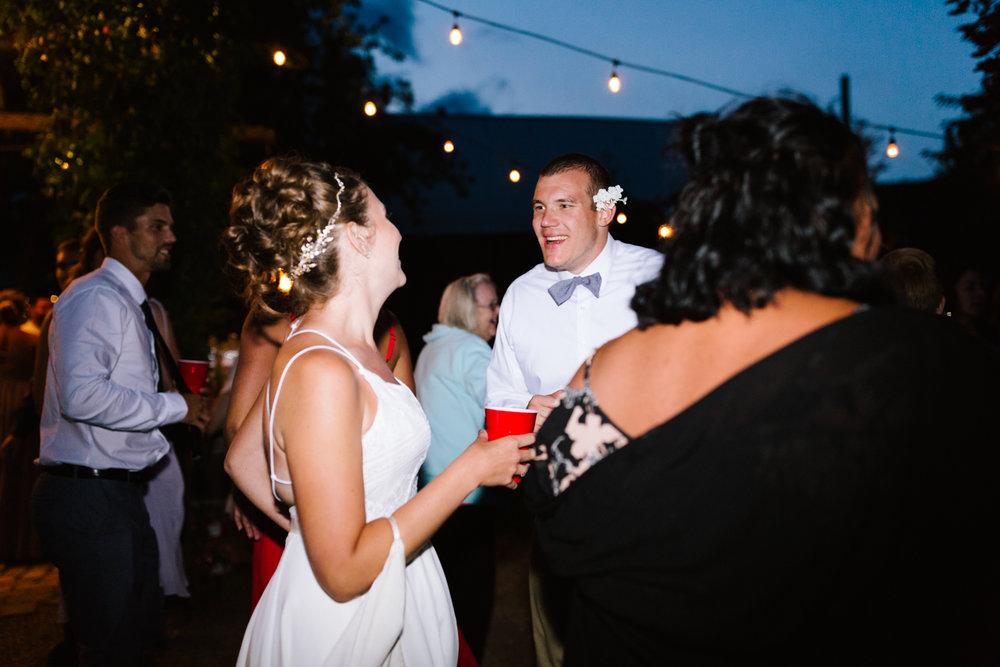 seattle_wedding_photographer_roslyn_outdoor_wedding-1392.jpg