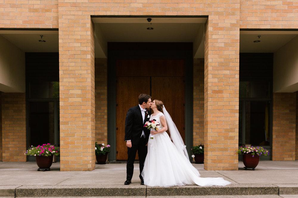 tacoma_wedding_photographer_union_station-0020.jpg