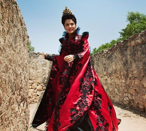 October 6 is getting closer! The beautiful Salma Hayek stars in one of our feature films at this year's festival! Creepy and exciting, Matteo Garrone's Tale of Tales is perfect for October. The 2016 Nuovo Cinema Italiano Film Festival will be from Oct 6th-9th. #italianfilm #nuovocinemaitaliano #italy #SalmaHayek #madeinitaly