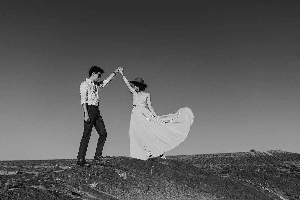 Antelope Canyon Horseshoe Bend Engagement Session