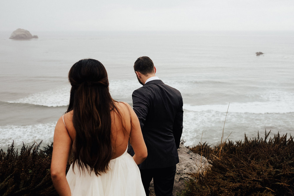 Big-Sur-National-Park-Elopement-Intimate-Wedding-Photographer (17).jpg