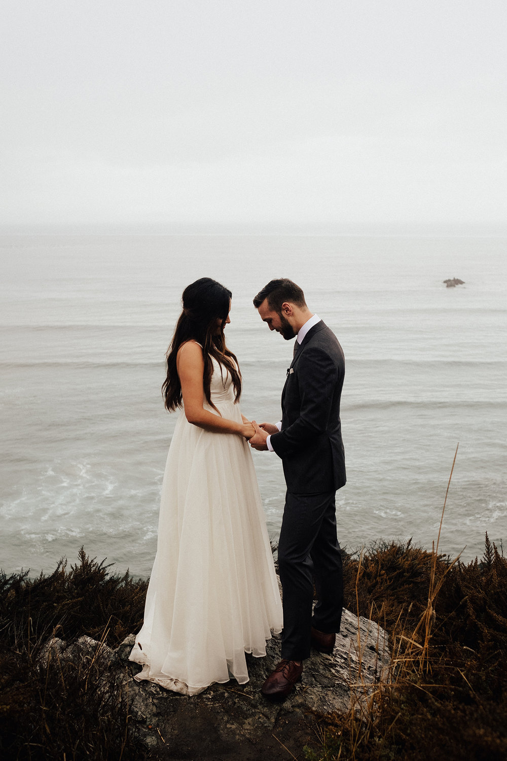 Big-Sur-National-Park-Elopement-Intimate-Wedding-Photographer (19).jpg