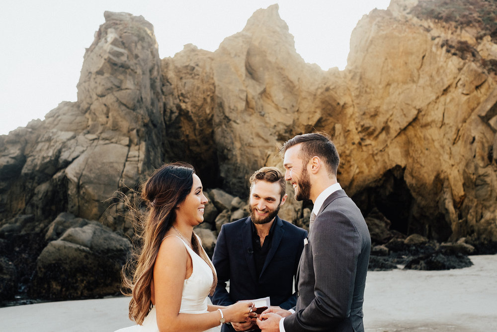 Big-Sur-National-Park-Elopement-Intimate-Wedding-Photographer (54).jpg