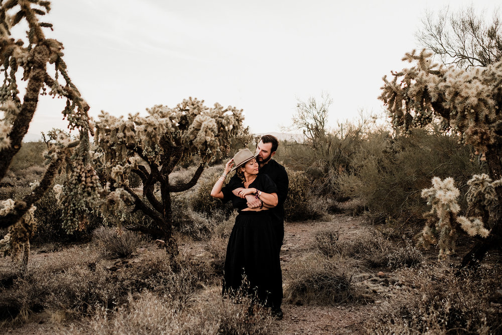 Arizona-Desert-Intimate-Wedding-Photographer-Lost-Dutchman-State-Park (12).jpg