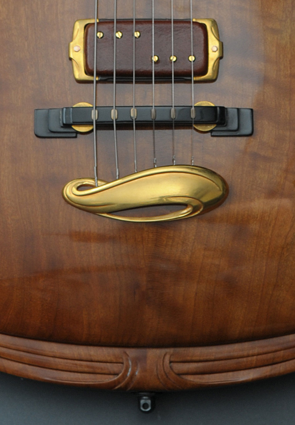 Jesselli-0102-Closeup.jpg