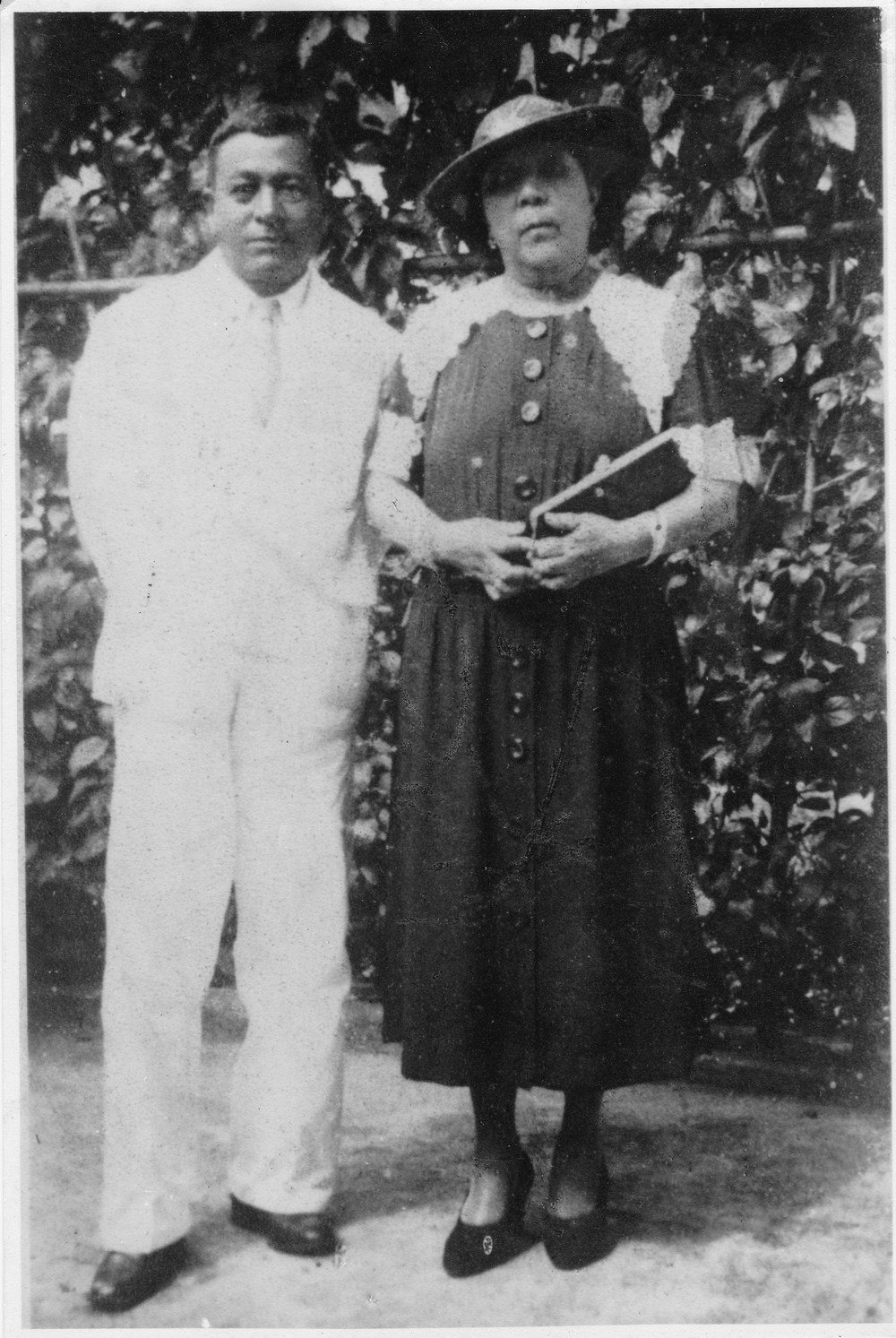 Herman (Snr) and Alice circa 1930s in Malaya