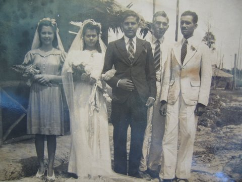 Bahau wedding of Luke de Souza to Flo Chopard (L-R: Gwen Perry, Flo, Luke, Bill Hutchinson and an unknown person)