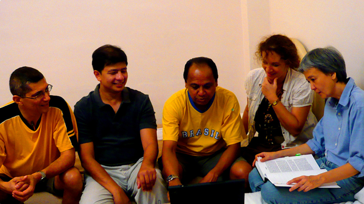 Team Bahau 2008. L-R: Geoff Morris, Barry R Pereira, Paul Rodrigues, Fiona Hodgkins and Therese Thompson