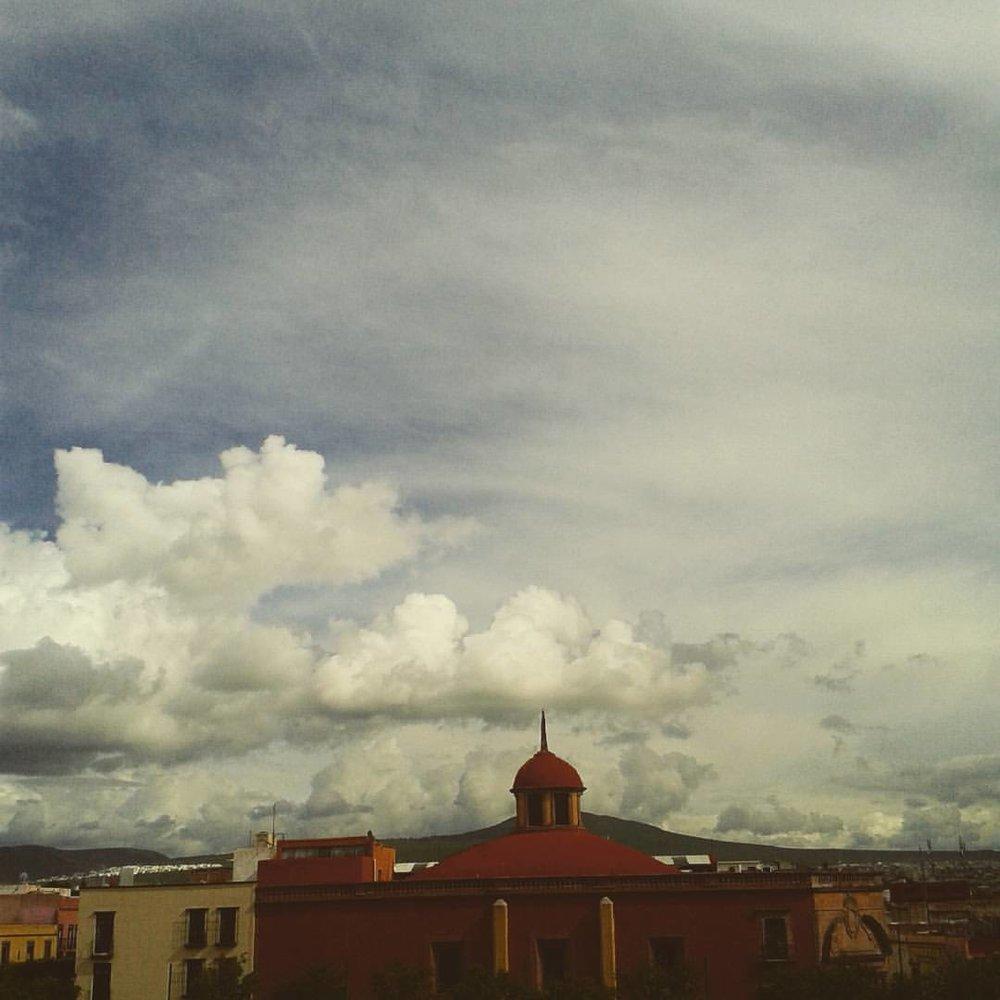 Cielo de Querétaro desde el balcón del hotel.
