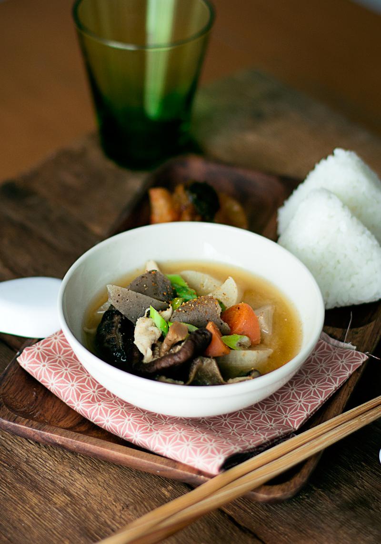 sopa tonjiru