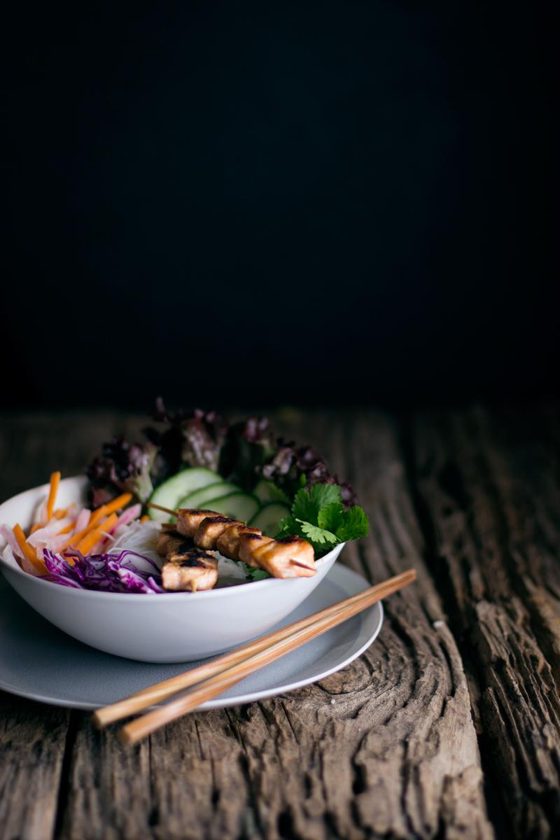 ensalada vietnamita de fideos vermiceli