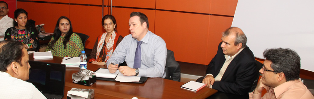 Jean-Paul Gauthier meeting with staff from the Punjab Board of Investment and Trade (PBIT). Courtesy of the PBIT.