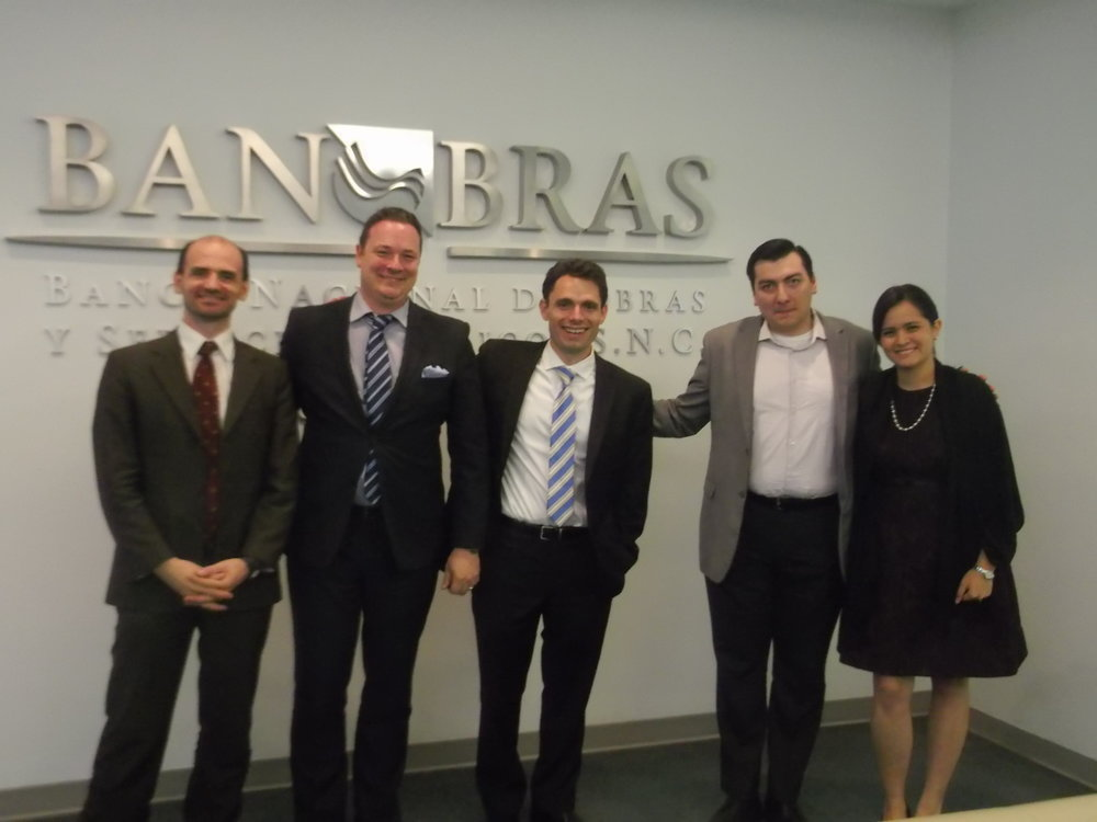 Jean-Paul Gauthier and Michael Castle-Miller with members of the advisory team for the Mexican SEZ program