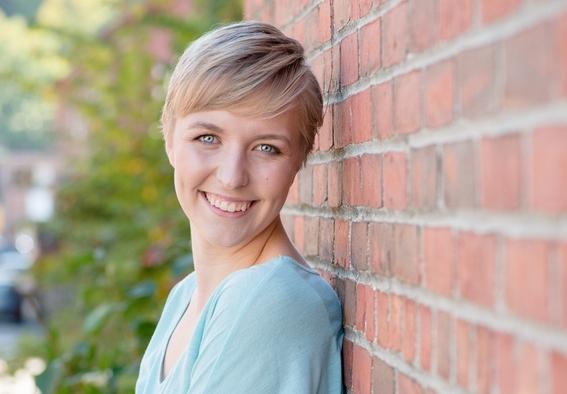 Danielle Andersen Headshot.jpg