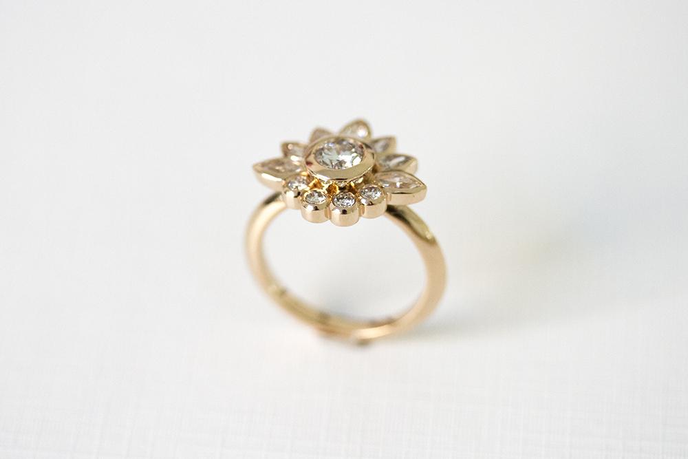 flower ring3.jpg