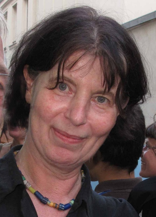 JULIA LOHMANN