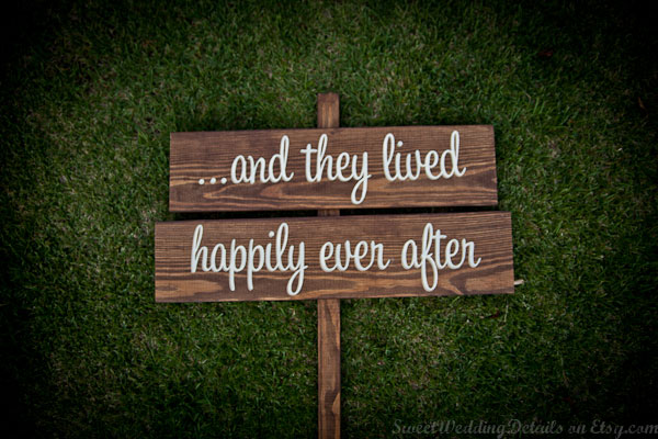 import-Wedding_Signs_Single_Sided_Sign_Last_Chance_to_Run-7341c9c76fd526c5bfdb8089ce078efa.jpg