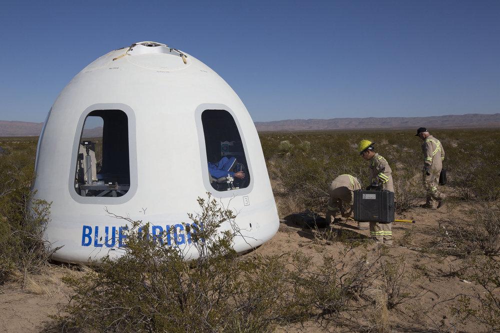 Blue-Origin-New-Shepard-Mission-7-Crew-Capsule-2.0-Landing-1.jpg