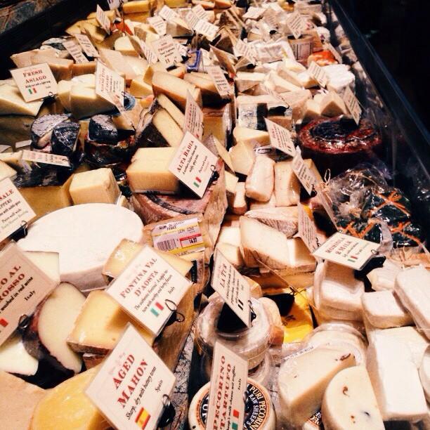Chezzus #vscocam #cheese #vsattui (at V. Sattui Winery)