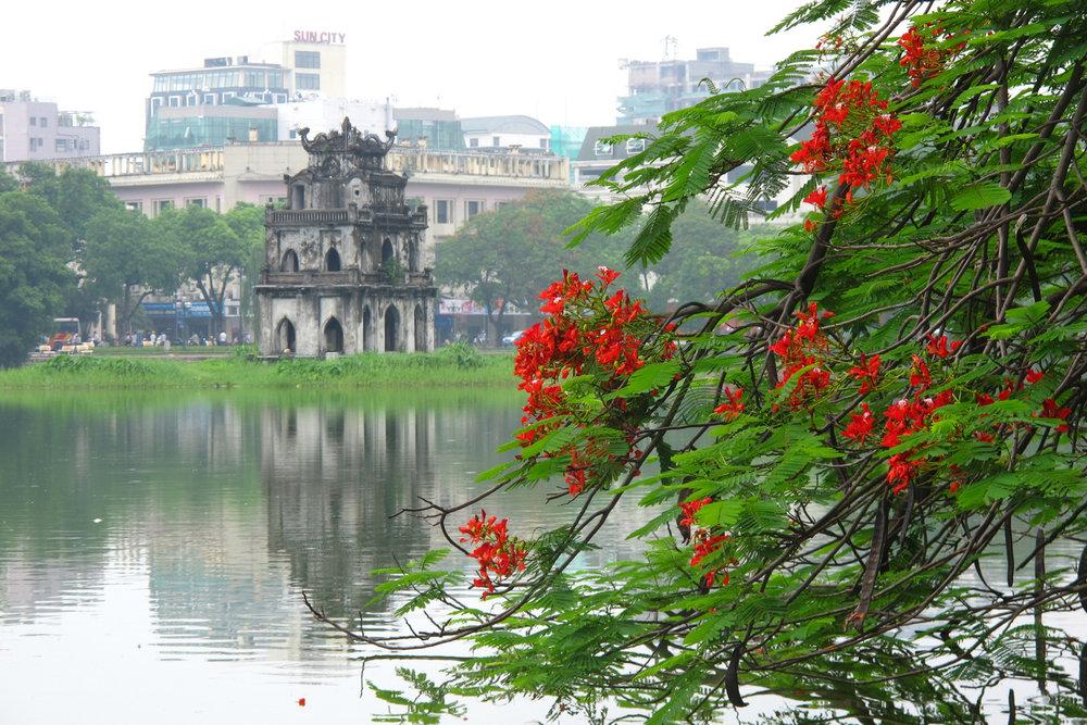 Hoàn Kiếm Lake